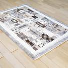 カシュクリ・124×82・パッチワーク・茶色・ベージュ・原毛・鹿・女の子・窓・木・玄関サイズ・使用イメージ画