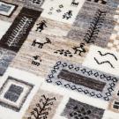 カシュクリ・124×82・パッチワーク・茶色・ベージュ・原毛・鹿・女の子・窓・木・玄関サイズ・アップ画