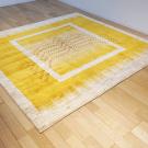 アマレ・リビングサイズ・黄色・生命の樹・鹿・窓・使用イメージ画