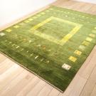 アマレ・222×168・木・鹿・小花・緑・グラデーション・リビングサイズ・使用イメージ画