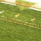 アマレ・179×119・緑・キャラバン・ラクダ・センターラグサイズ・リビングサイズ・アップ画