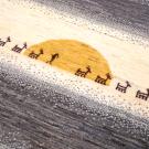 アマレギャッベ・茶白ギャッベ・アップ画・鹿と人のキャラバン・朝日と夕日どちらでしょう?