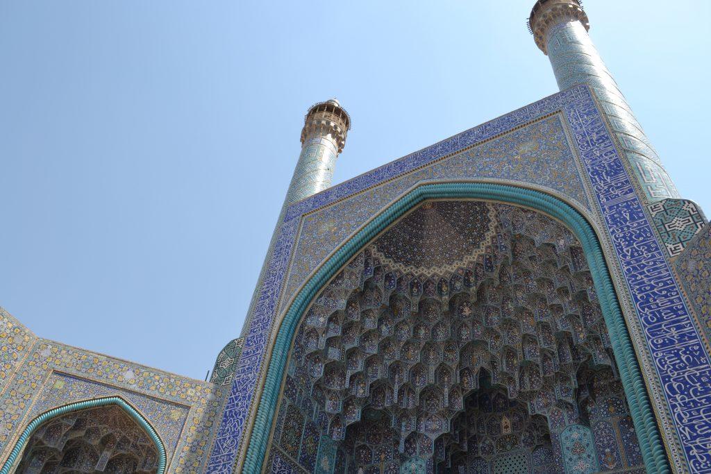 マスジェデ・ジャーメ・モスクの正面入り口屋根画像