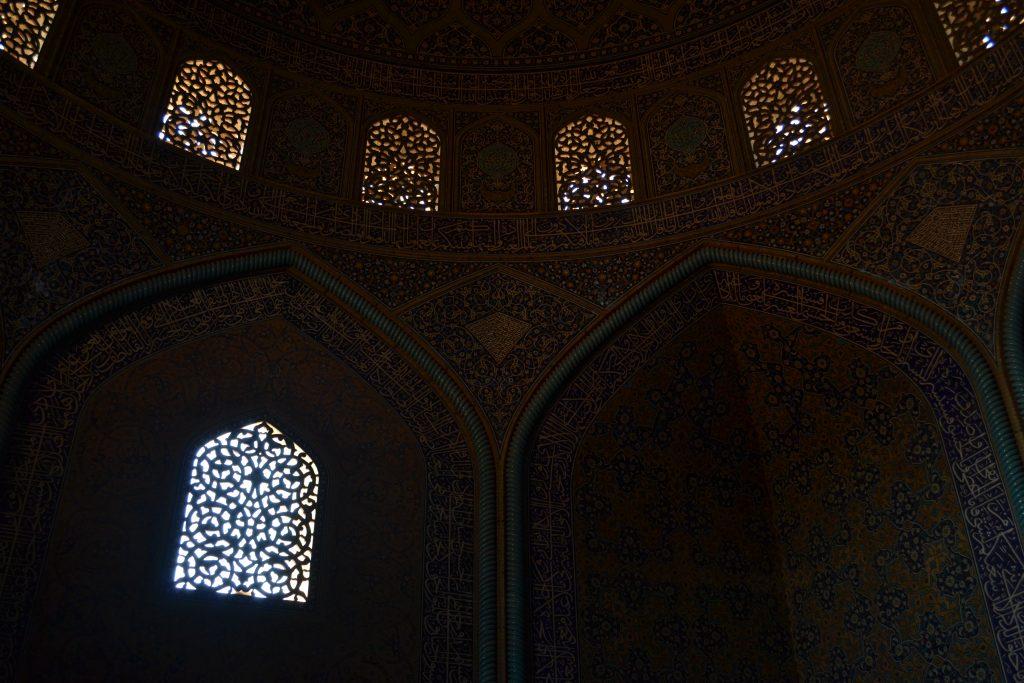 シャイフ・ルトゥフッラー・モスク内の写真