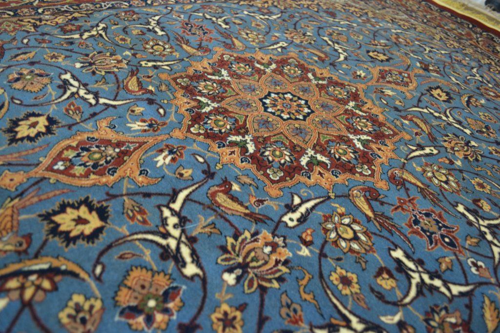 イスファハーンの有名工房シャハーブプール工房のペルシャ絨毯