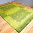 アマレ・242×173・緑・ラクダ・グラデーション・リビングサイズ・使用イメージ画