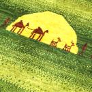 アマレ・リビングセンターサイズ・緑色・ラクダ・キャラバン・太陽・アップ画