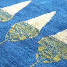 アマレ・リビング、センターサイズ・青色、白色・糸杉・アップ画