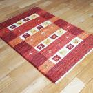 アマレ・90×62・赤・羊・ヤギ・四角・植物・玄関サイズ・使用イメージ画