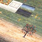 カシュクリ・268×188・緑・四角・窓・木・ヤギ・羊・リビングサイズ・アップ画