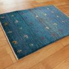 アマレ・玄関マットサイズ・青色・鹿、木・使用イメージ画
