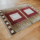 アマレ・玄関マットサイズ・茶色、原毛・四角形・使用イメージ画
