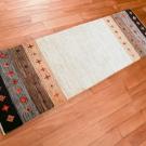 アマレ・155×51・茶色・白・原毛・ひし形・キッチンサイズ・廊下敷き・使用イメージ画