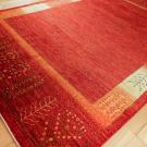 アマレ・大型ルームサイズ・赤色・木、花・使用イメージ画