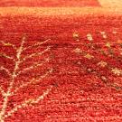 アマレ・大型ルームサイズ・赤色・木、花・アップ画