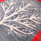カシュクリ・センターラグサイズ・赤色、緑色・生命の樹・アップ画