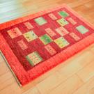 アマレ・玄関マットサイズ・赤色・動物、草花・使用イメージ画