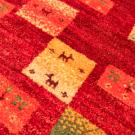 アマレ・玄関マットサイズ・赤色・動物、草花・アップ画