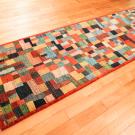 カシュクリ・244×82・赤色・カラフル・小花柄・パッチワーク・廊下敷き・キッチンマット・使用イメージ画