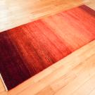 シャクルー・193×77・赤色・グラデーション・シンプル・キッチンマット・廊下敷き・使用イメージ画