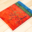 カシュクリミニ大・46×37・赤色・生命の樹・山・ミニギャッベ・使用イメージ画
