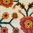 アマレランドミニ大・42×40・白色原毛・花柄・ミニギャッベ・アップ画