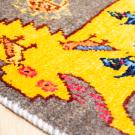 アマレライオンミニ大・48×42・グレー・黄色・ライオン・鳥・ミニギャッベ・アップ画