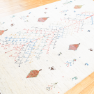 アマレ・189×118・白原毛・生命の樹・糸杉・ラクダ・鹿・センターラグサイズ・使用イメージ画